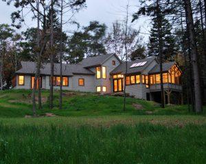 Four-Season Summer House